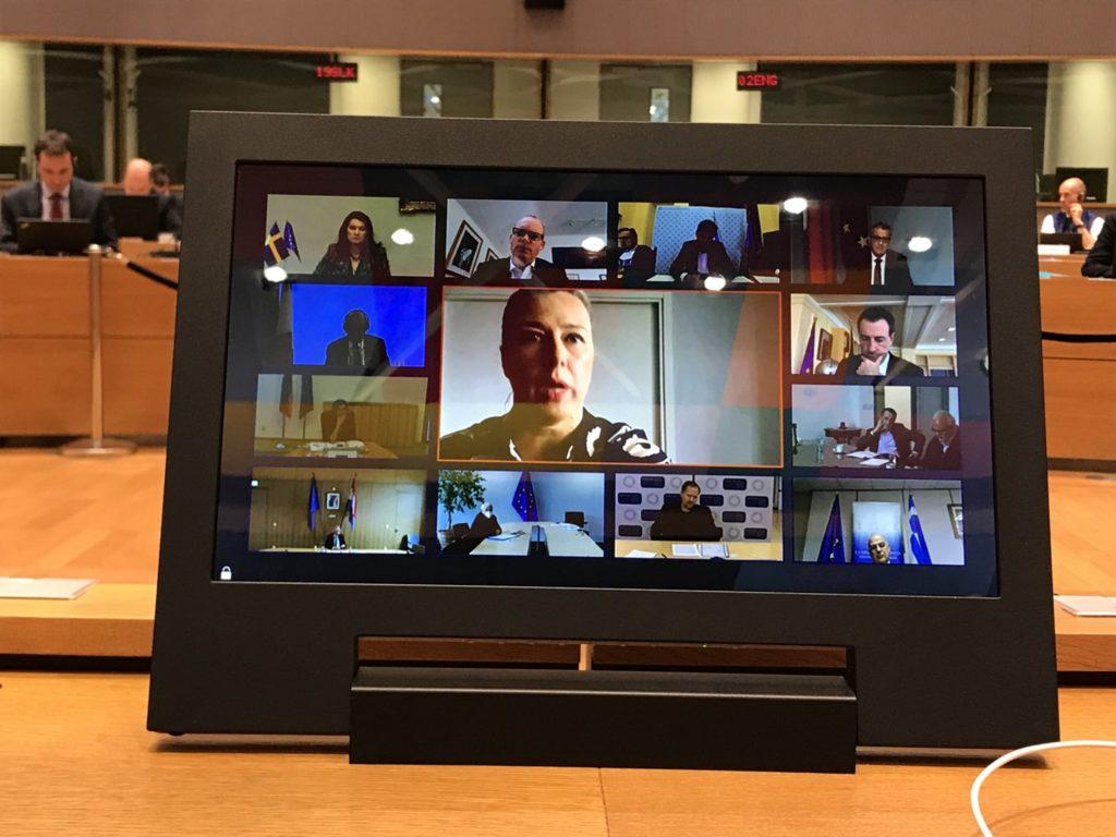 EU-maiden ulkoministerit käsittelivät globaaleja toimia koronatilanteeseen vastaamiseksi videon välityksellä huhtikuussa. EU:n kansainvälisistä kumppanuuksista vastaava komissaari Jutta Urpilainen osallistui keskusteluun. Kuva: Hanna Lehtinen
