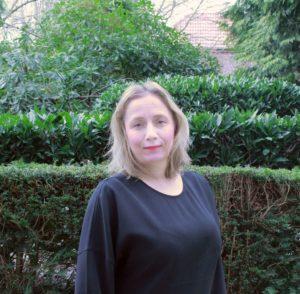 Henkilökuvassa kirjoittaja Sanna Laaksonen.
