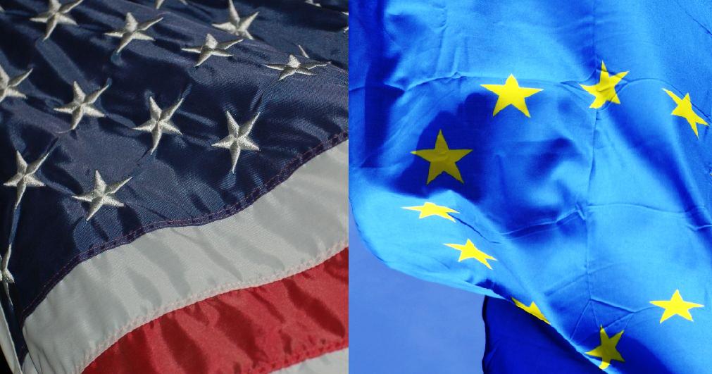 Yhdysvaltojen ja Euroopan unionin liput liehuvat rinnakkain.