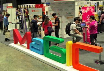 MaGIC-kiihdyttämö rekrytoi yrittäjiä ohjelmiinsa Malesiaan Tech in Asia -tapahtumassa Singaporessa huhtikuussa 2016. Kuva: Riku Mäkelä.