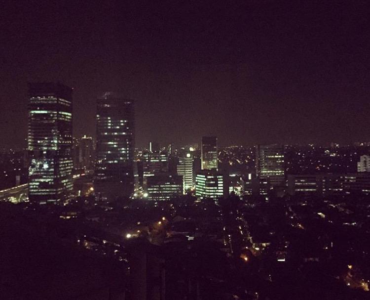 Öinen Jakarta näyttää jopa kauniilta. Kuva: Ira Hannula.