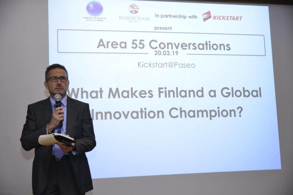Suomen Malesian-suurlähettiläs Petri Puhakka on akkreditoitu lähettiläs myös Filippiineille. Maaliskuun lopussa tarjolla oli painavaa sanaa suomalaisesta innovaatiokentästä. Kuva: Nordcham Philippines.