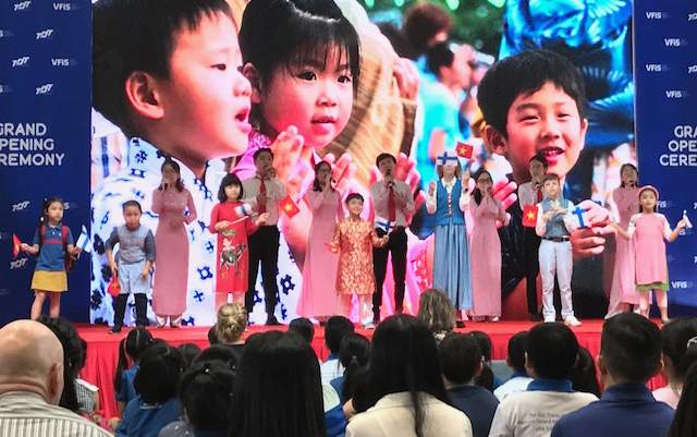 Vietnam Finland International School avattiin Ho Chi Minh Cityssä 12. elokuuta 2019. Korruptiovapaa yhteiskunta on tärkeä tavoite myös koulutuksen alalla ja avatun koulun ydinarvoja. Kuva: Kari Kahiluoto.
