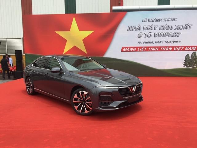 Vinfast LuxA2.0 Sedan. Vietnamilaisen autouutuuden ensimmäiset mallit valmistuivat kesällä 2019. Kuva: Janne Oksanen