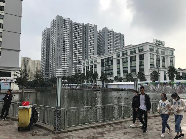 Kaupunki kasvaa länteen; Vin City on tuulahdus Aasian muita suurkaupunkeja. Kuva: Kari Kahiluoto