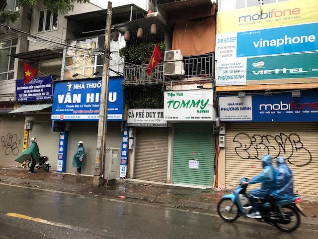 Yen Phun kylää ei enää ole, samanniminen katu kyllä. Vuonna 1936 aloittanut kahvila muistuttaa kerroksellisuudesta. Kuva: Kari Kahiluoto