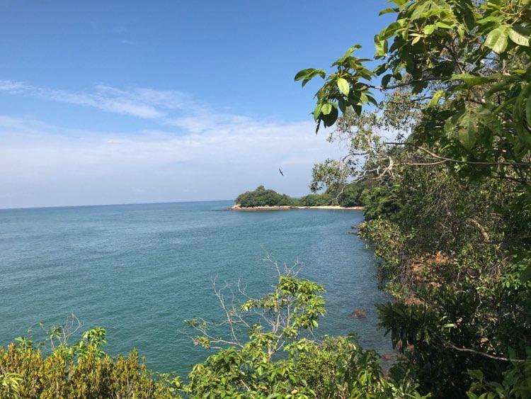 Malesiassa riittää näkemisen arvoista luontoa, eikä retkeilijöiden määrän kasvusta huolimatta turvavälien säilyttäminenkään ole ongelma. Kuva: Eero Väisänen