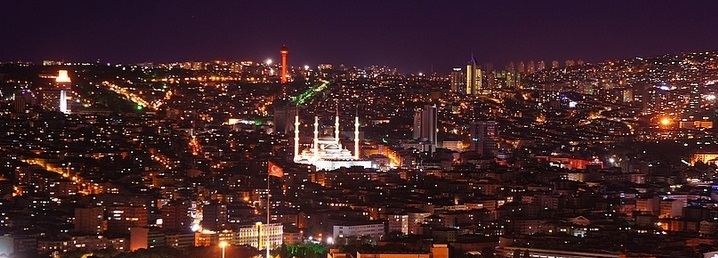 Ankara by night. Kuva: TekAli