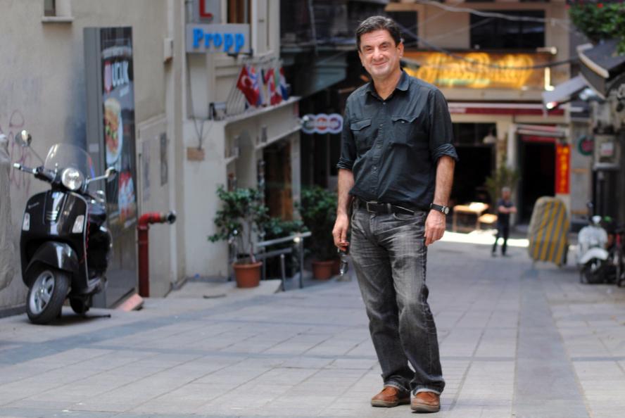 Alpay Er muistuttaa, että kansainvälistyvä turkkilainen Pk-yritys tarvitsee tukea muotoilussa, brändäyksessä, myynnissä ja markkinoinnissa.