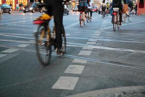 Polkupyöräilyn suosio kasvaa Berliinissä räjähdysmäisesti. Pääkaupunkiin on rakennettu kymmenessä vuodessa satakunta kilometriä pyörätietä. Ja lisää tarvitaan. Kuva: CC flickr