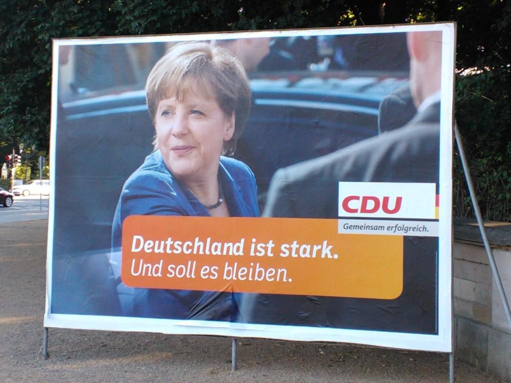 CDU nojaa suosittuun Merkeliin.