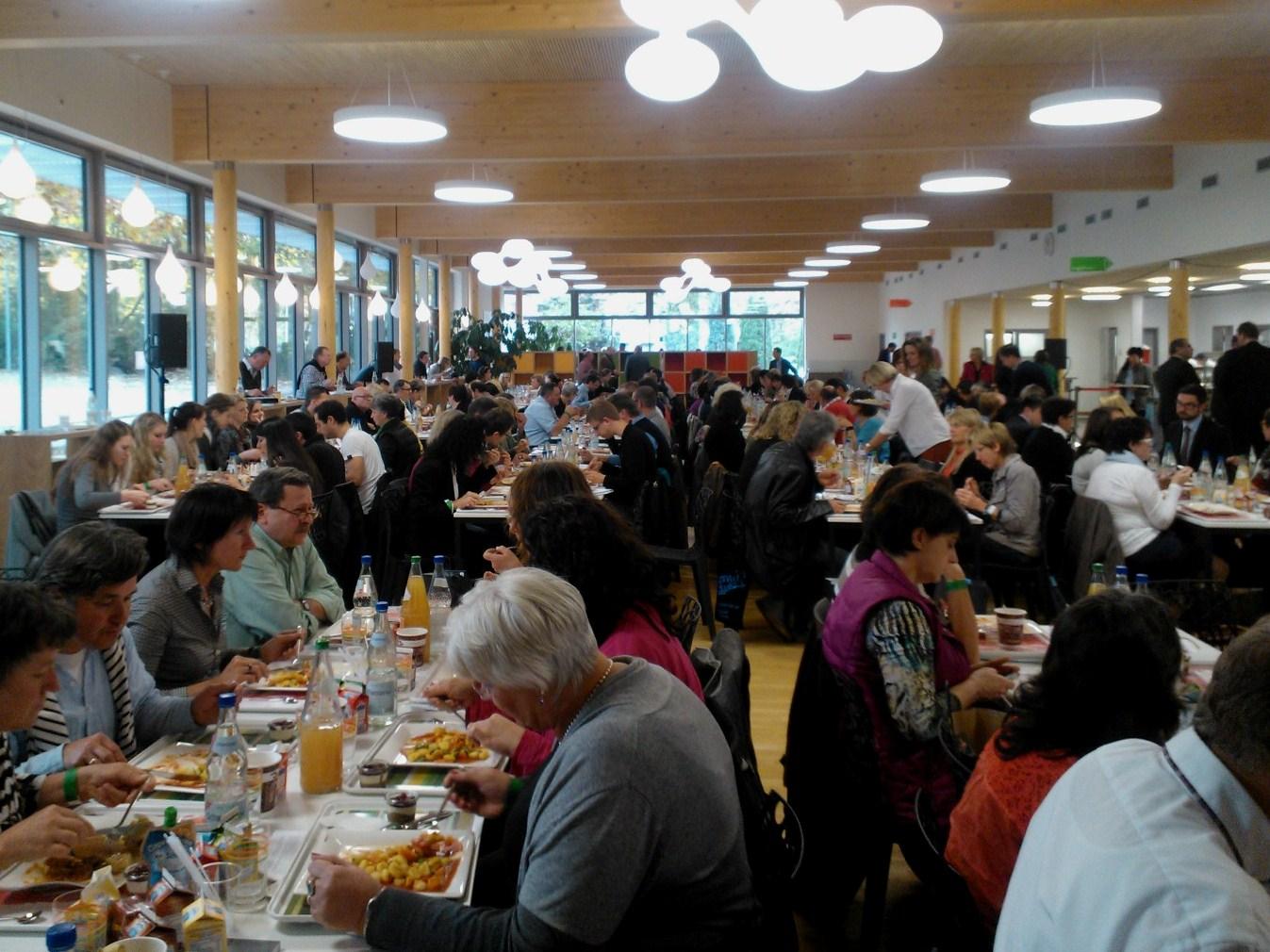 Kouluruokakonferenssi houkutteli paikalle yli 300 aiheesta kiinnostunutta.