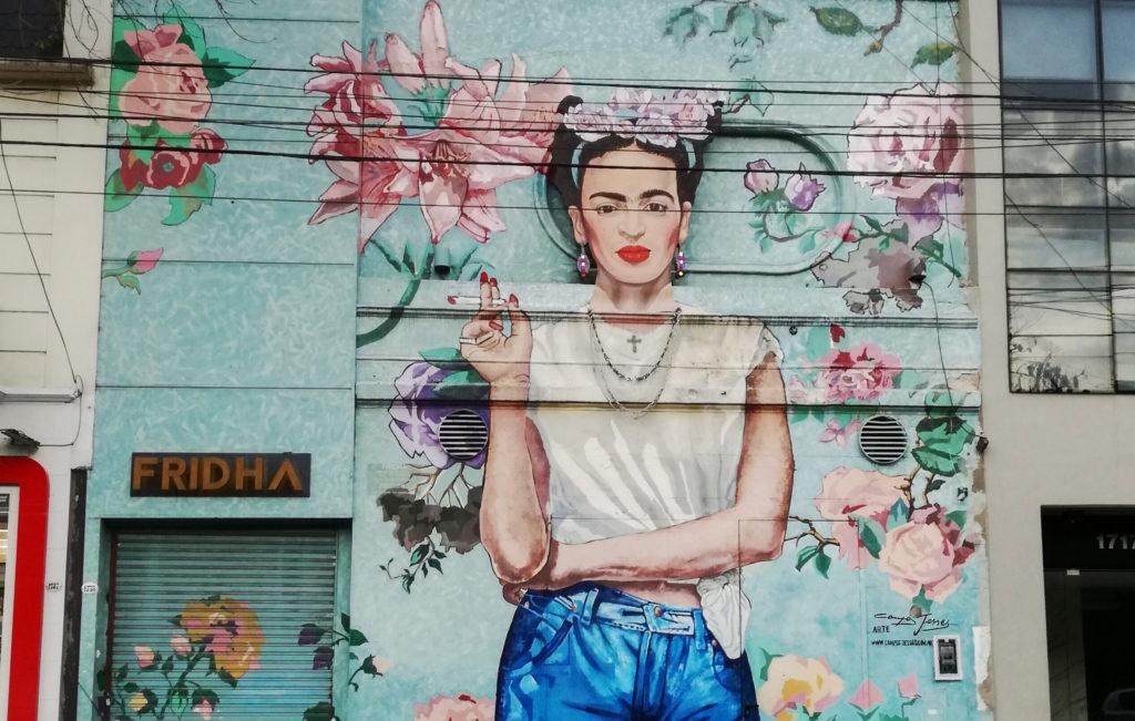 Meksikolaistaiteilija Frida Kahlon potretti on yksi Buenos Airesin ikonisimmista katutaideteoksista. Kuva: Mira Sairanen.
