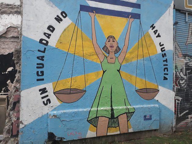 Sin Igualdad no hay justicia. Buenos Airesin katujen värikkäät seinämaalaukset vaativat tasa-arvoa naisille