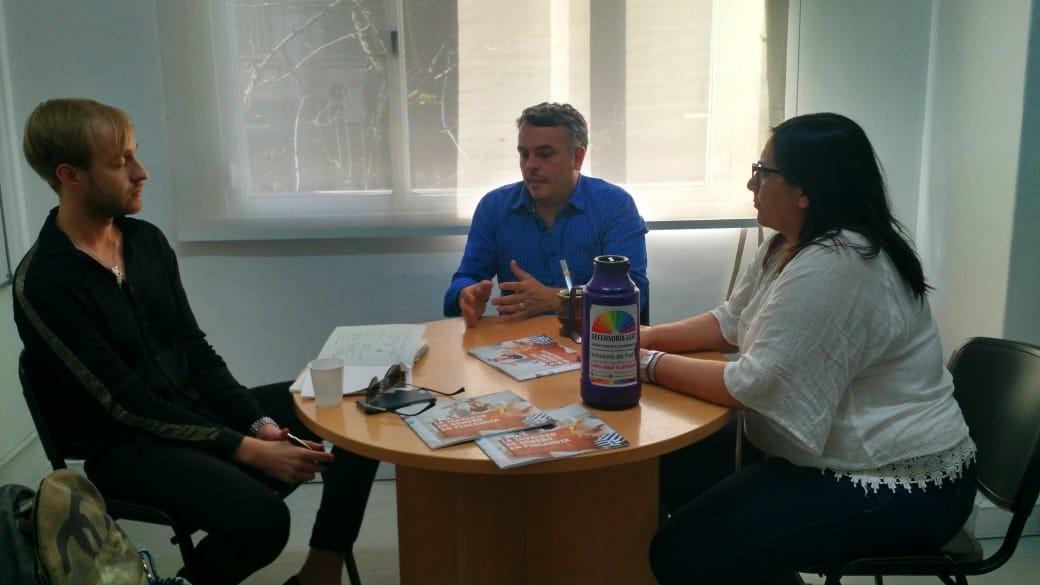 Suomen suurlähetystö vierailulla FALGBT:n päätoimistolla Buenos Airesissa