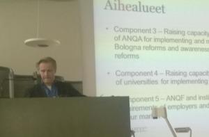 Karl Holm kehittää korkeakoululaitosta Armeniassa.