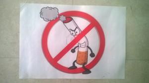 Egyptissä tupakoidaan lähes missä vaan. Oheinen muistutuslappu suurlähetystömme hissiaulasta.