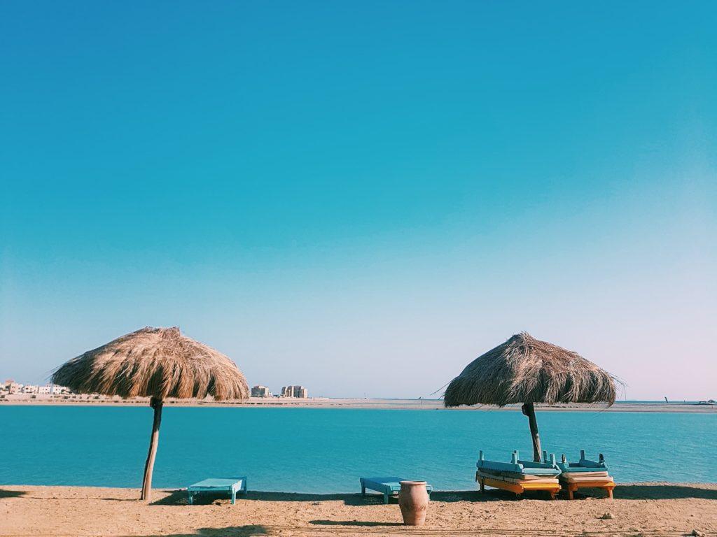 Egyptissä on lukemattomia kauniita ja rauhallisia rantalomakohteita. Tässä Ras Sudr, joka sijaitsee noin kolmen tunnin päässä Kairosta. Kuva: Heta Lampinen