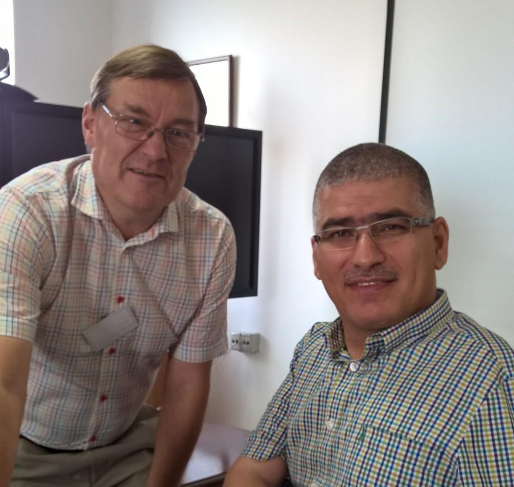 Ehssan Eidkadek (oikealla) on Palestiinan paraolympiakomitean puheenjohtaja.