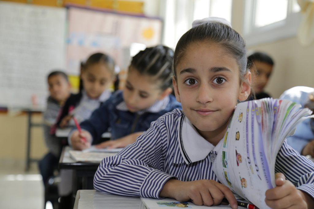 Al Arzan tyttöjen peruskoulu Bethlehemissä.