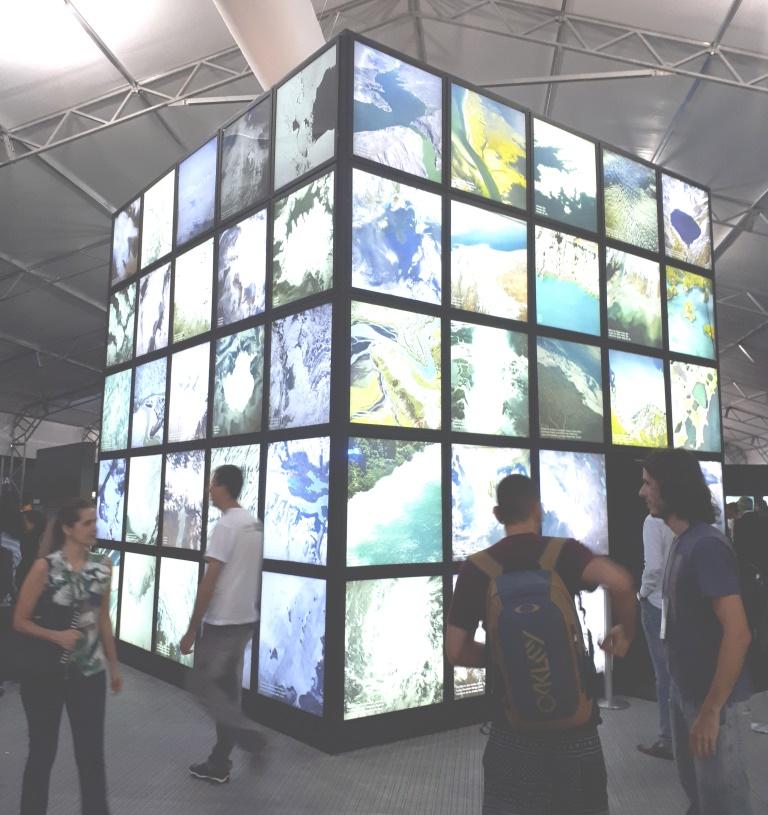 Konferenssin näyttelyalueella esiteltiin Brasilian mittavia vesivarantoja. Kuva: Essi Raitala