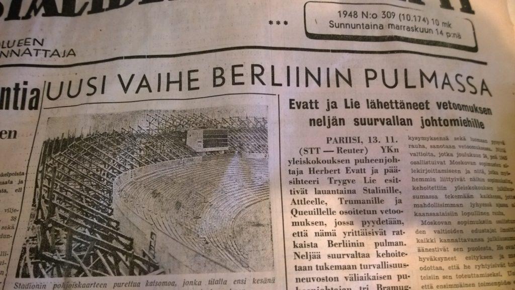Myös terminologialla on tärkeä rooli, kun asioista keskustellaan. Berliinin pulman nimeksi vakiintui myöhemmin Berliinin kriisi. Suomen Sosialidemokraatti 14.11.1948.