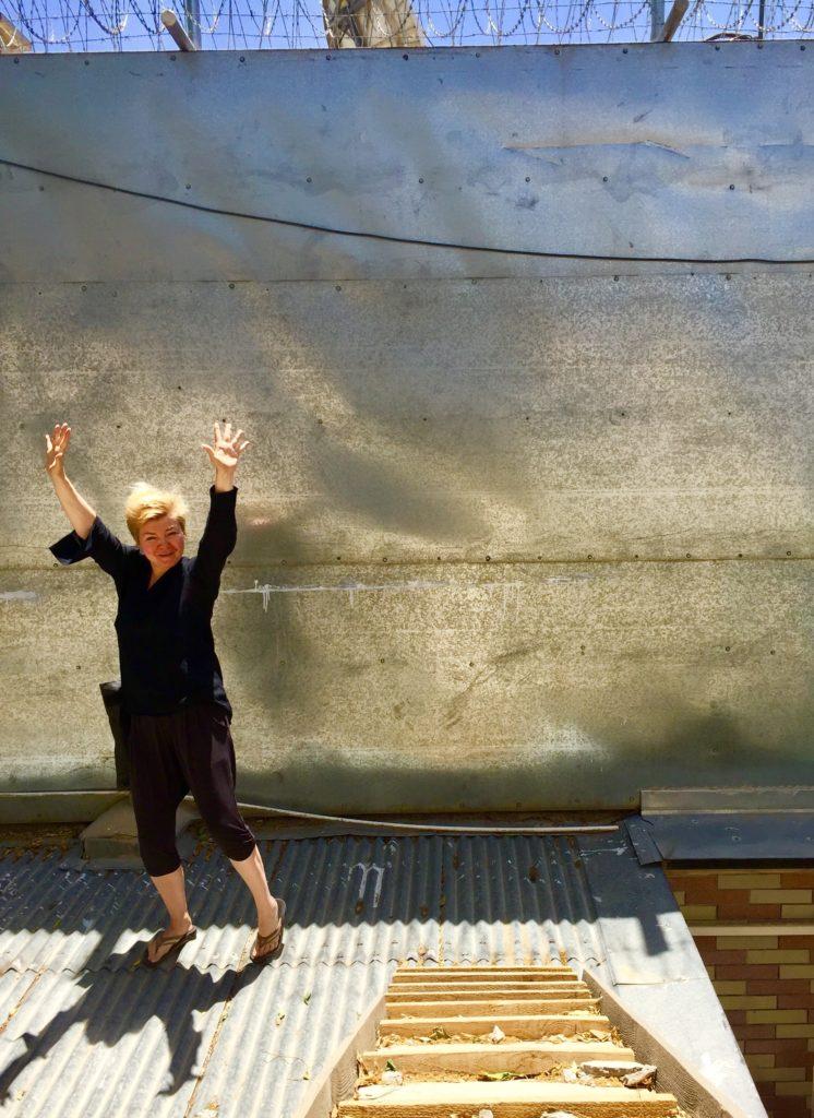 Sortuu, ei sorru, sortui ostamaan. Onnellinen afgaanimattojen omistaja. Kuva: Lari Peltonen.