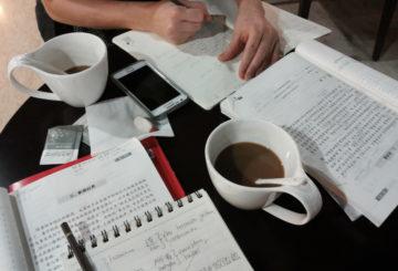 Kahvikuppi siivittää opiskelumotivaatiota.