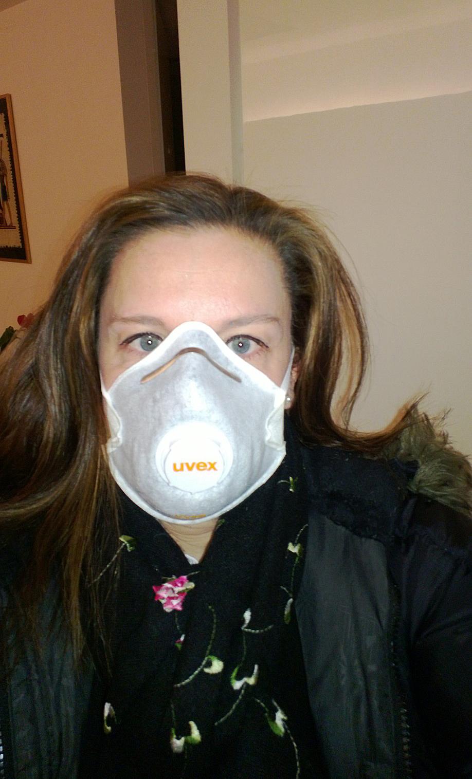 Työmatkavarustus saasteisena päivänä. Kuva: Helena Häkäri.