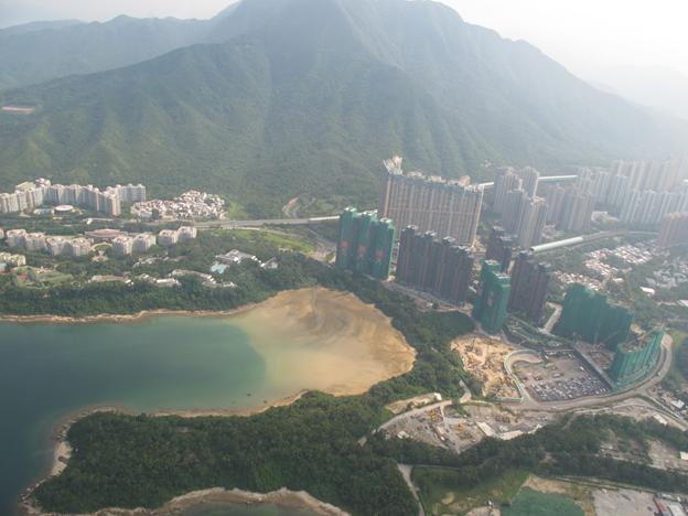 Poliittisista jännitteistä huolimatta Hongkong rakentaa itselleen tulevaisuutta. Sairaala- ja muuta infraa kaavaillaan satojen miljardien arvosta. Kuva: Jari Sinkari