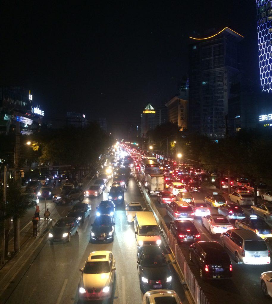 Pekingissä asuu jo yli 2,5 miljoonaa ihmistä. Kuva: Jutta Laiho.