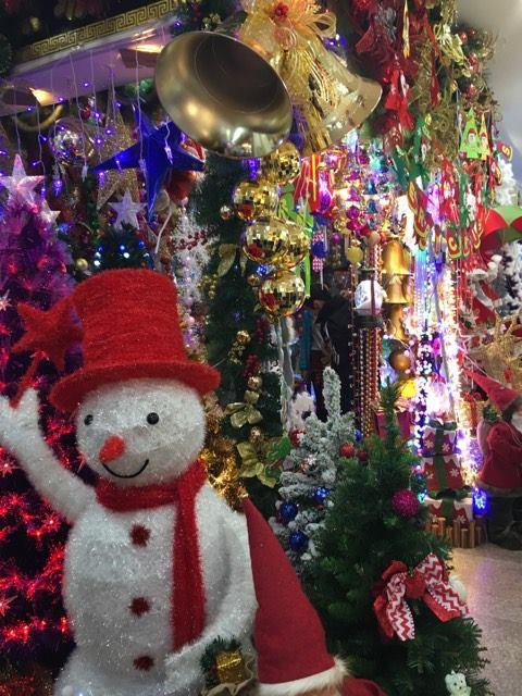Myymälä Tian Yi Marketilla. Kuva: Noora Räinä.