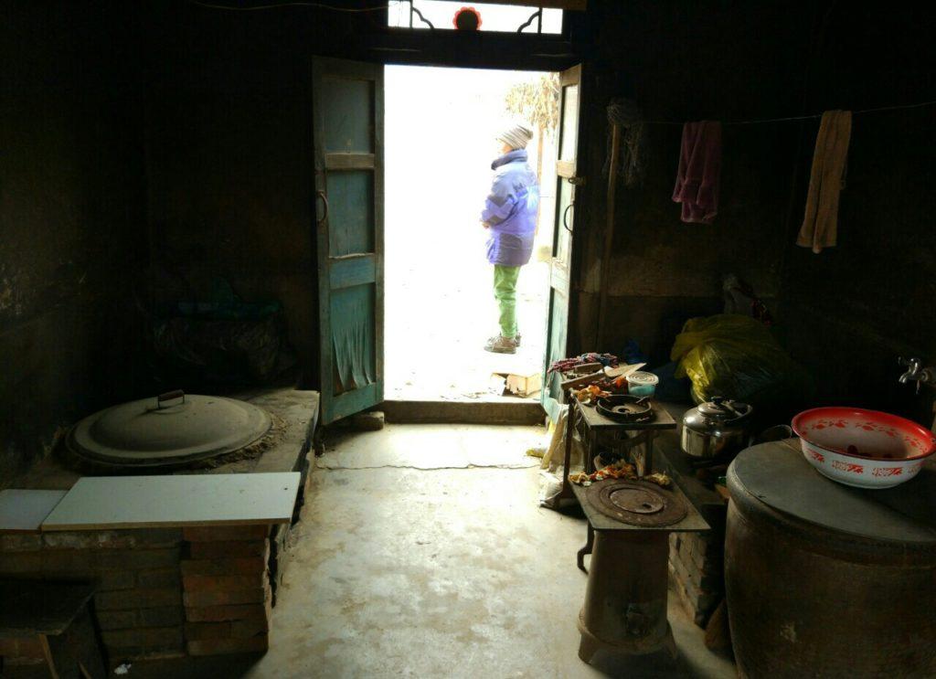 Vanhaan asuntoon köytiin sisään keittiön kautta. Kuva: Janna Lipiäinen
