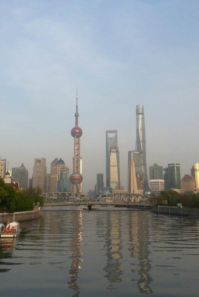 Shanghain sininen taivas ei lähtökohtaisesti vedä vertoja Pekingin kirkkaudelle.