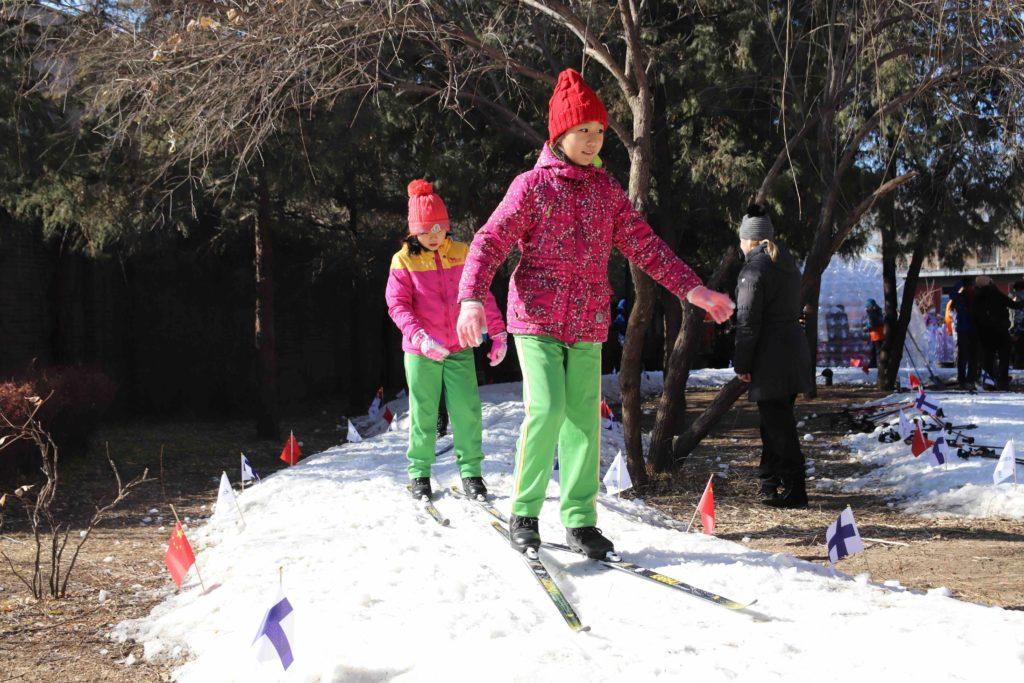 Hei, me hiihdetään! Kuva: Santeri Korhonen.