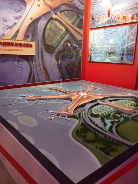 Viimeisin saavutus avattiin 70-vuotispäivän alla 25.9.2019: Pekingin uuden Daxing-lentokentän terminaalin on suunnitellut Zaha Hadid Architects. Kuva: Petra Theman