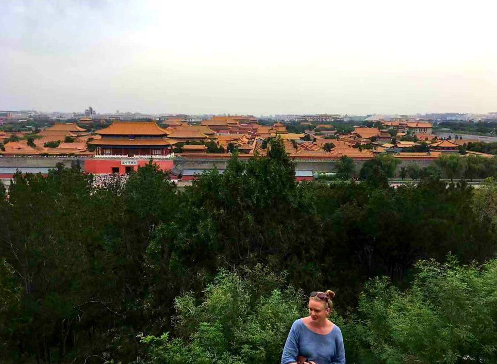 Kielletty Kaupunki. Yli 500 vuotta vanhan palatsialueen sadat rakennukset ovat Pekingin sydämessä ja kuin Peking itse; lukemattomien löytöjen mahdollisuus, kunhan löytöretkeläisellä riittää aikaa ja malttia. Kuva: Virve Ilkka
