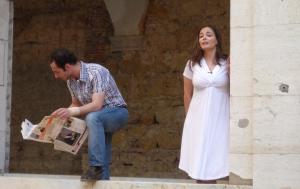 Näyttelijät Samanta Franco ja Miguel Curiel tulkitsevat Rosa Liksomin novellia eurooppalaisten kulttuuri-instituuttien kirjallisuusillassa kesäkuussa 2013. Kuva: Suomen suurlähetystö, Lissabon.