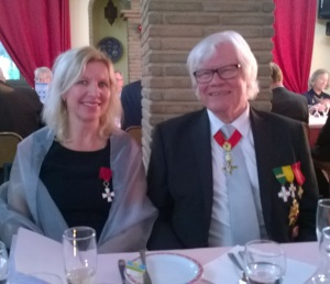 Suurlähettiläs Outi Holopainen ja Algarven Suomi-seuran puheenjohtaja Raimo Luokomaa seuran itsenäisyyspäivän juhlassa. Kuva: Pekka Holopainen.
