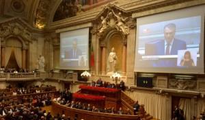 Neilikkavallankumouksen vuosipäivän virallinen juhla Portugalin parlamentissa. Kuva: Outi Holopainen.