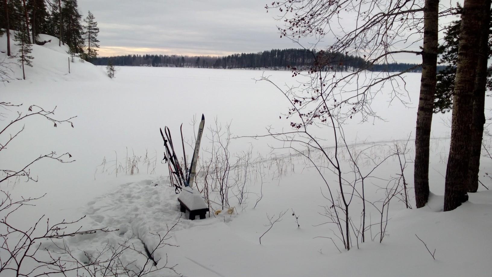 Savolainen järvimaisema - kohti etelää.