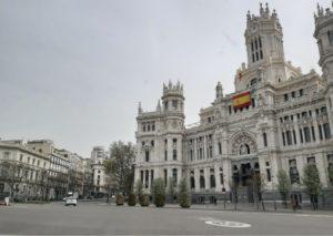 Nyt tyhjä Cibeles-aukio on yksi Madridin tunnetuimpia maamerkkejä.
