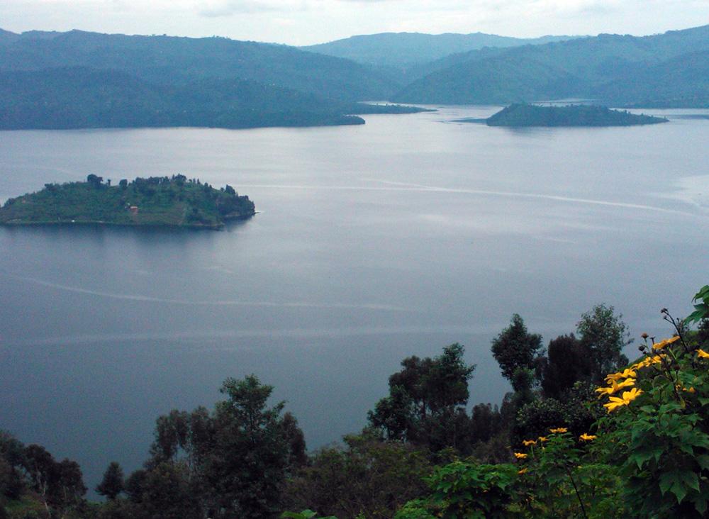 Kivujärven kauneutta Ruandassa. Kuva: Kimmo Laukkanen
