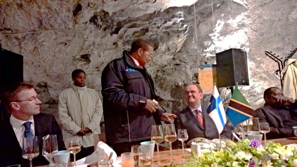 Presidentti Kikweten vierailulla oli paljon yritystapaamisia -tässä Kone Oy:n vieraina.