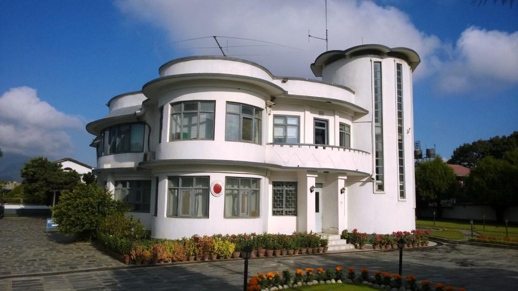 Suomen suurlähetystö Kathmandussa – edelleen pystyssä