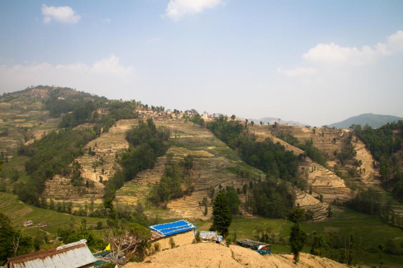 Nepalin syrjäseuduilla asuvilla on erityisen suuri riski joutua ihmiskaupan uhriksi. Riittämätön rajavalvonta, köyhät olot ja poliisin ja oikeuspalvelujen heikko saatavuus kiihdyttävät ihmiskauppaa. Kuva: Julian Bound/UM.