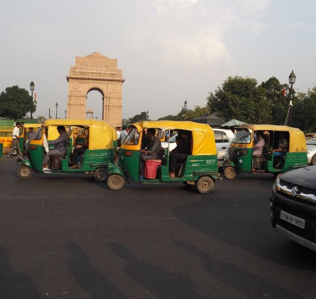 Vilkas liikenne on yksi Delhin tunnetuimpia piirteitä. Kuva: Saana Annala.