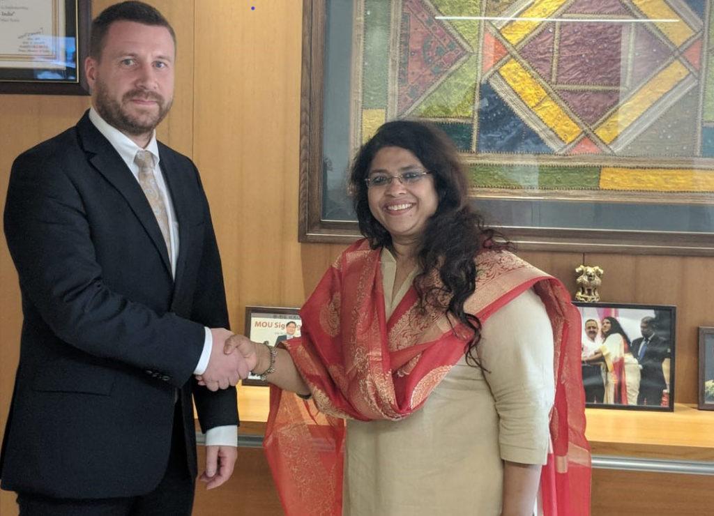 Tapasin Gandhinagarissa teollisuuskomissaari Mamta Verman, joka vastaa Gujaratin osavaltion investointipolitiikasta. Kuva: Jatin Kaushal/iNDEXTb.