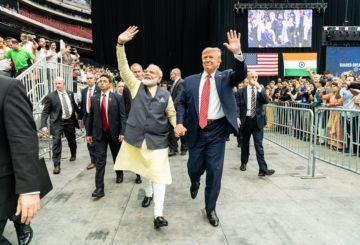 Pääministeri Modi osallistui YK:n ilmastokokoukseen New Yorkissa. Samalla matkalla hän tervehti intialaista diasporaa Howdy Modi -tapahtumassa Houstonissa. Mukana oli myös presidentti Trump. Kuva: Flickr/White House.