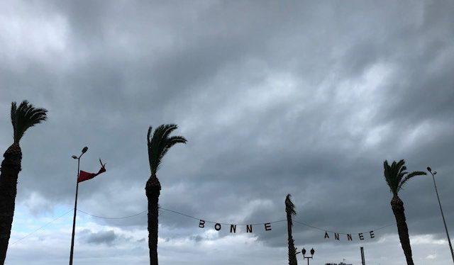 Tunisin La Marsassa toivotettiin hyvää uutta vuotta ohikulkijoille. Kuva: Laura Saarinen